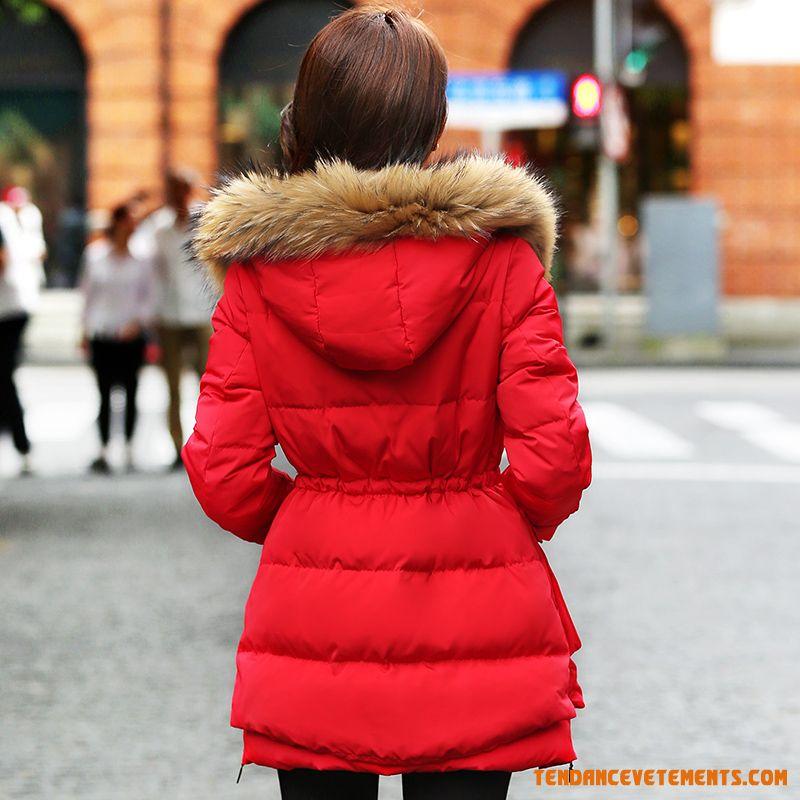 tenue avec doudoune rouge