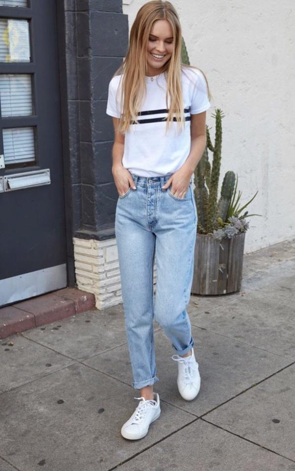 Collection Mode: 17+ photos tenue avec jean bleu clair