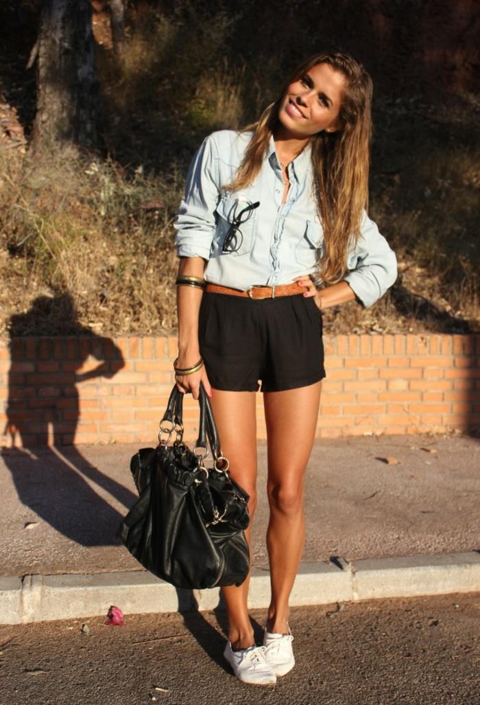 tenue avec short noir et collant