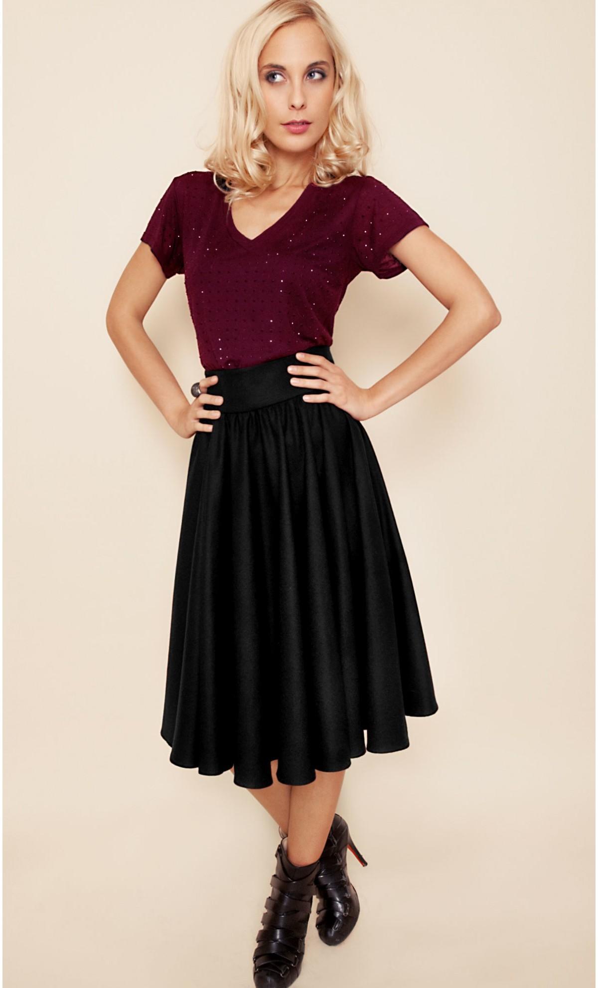 tenue jupe plissée noire