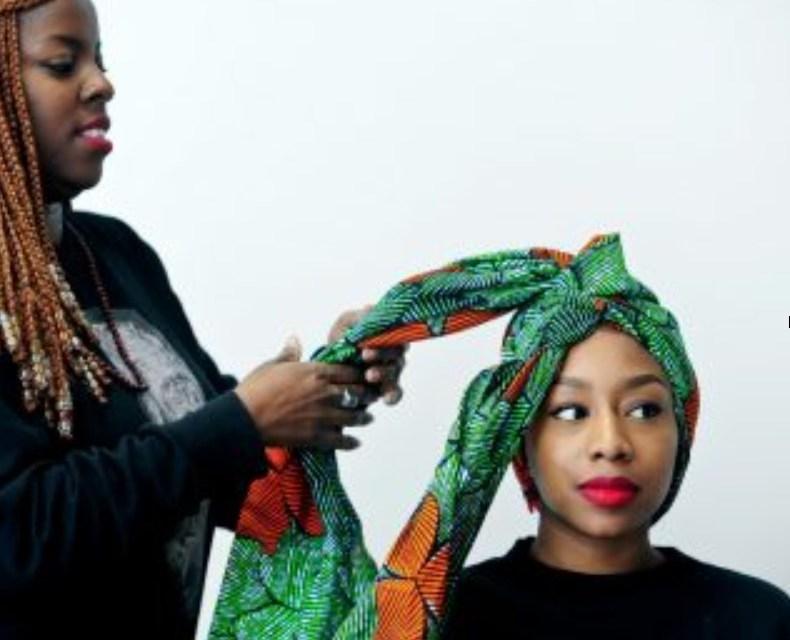 Comment attacher joliment son foulard ?